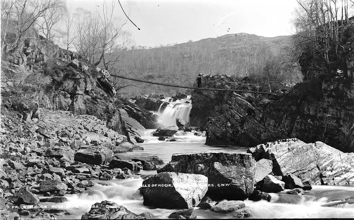 Falls of Rogie Ross-Shire MS 3792 E01667.jpg