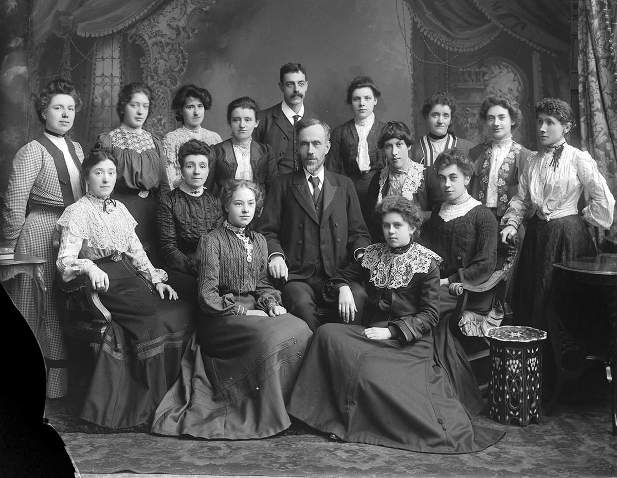 Skene Street School Group Portrait GB 0231 MS 3792 D02120.jpg