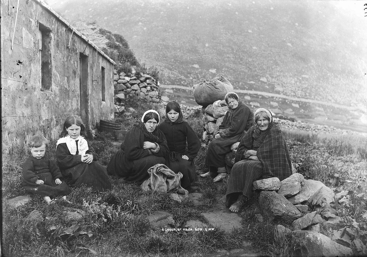 A Group St Kilda MS 3792 C04250.jpg