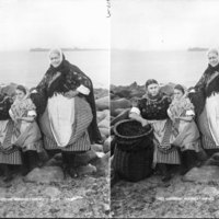 Three Generations Newhaven Fishwives GB 0231 MS 3792 C05997.jpg